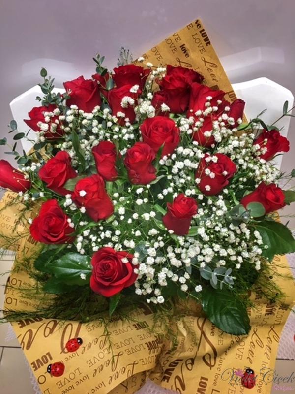 15 Adet İthal Güllerden Buket