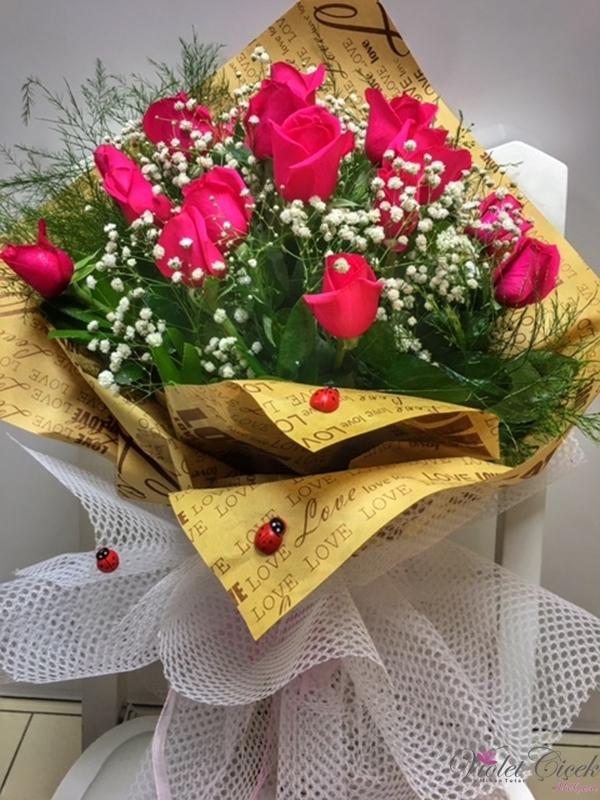 15 Adet İthal Pembe Güllerden Özel Buket